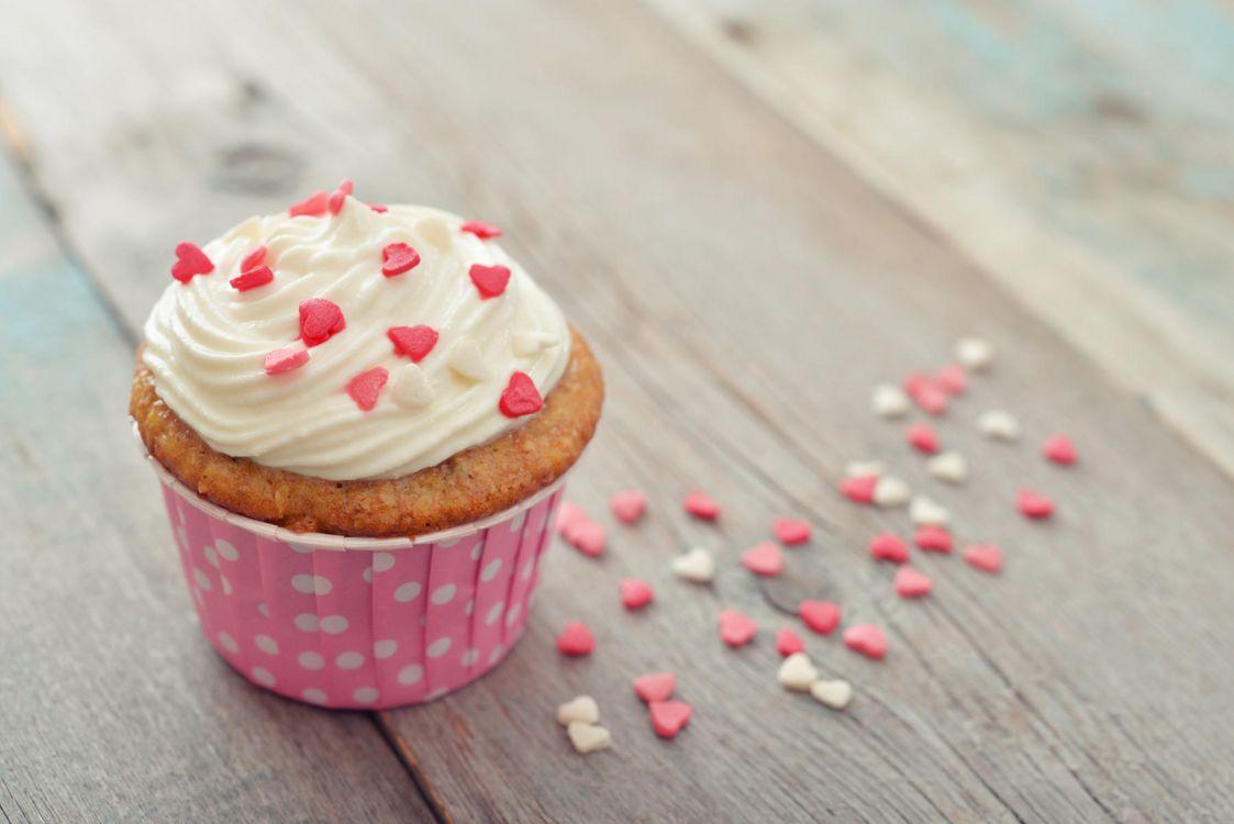 Фото бесплатно еда, сладкое, выпечка, десерт, пирожное, крем, кекс, сердечки, еда