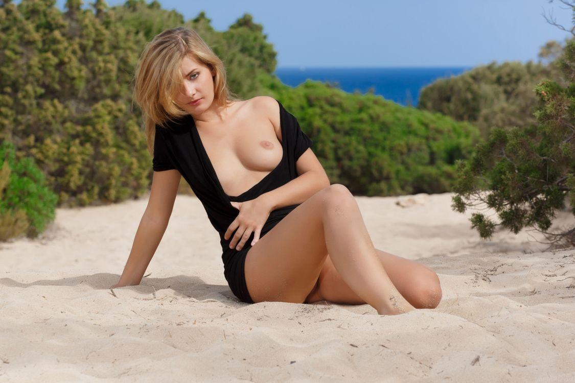 Фото бесплатно Edwige A, Anna Tatu, красотка, голая, голая девушка, обнаженная девушка, позы, поза, сексуальная девушка, эротика, эротика