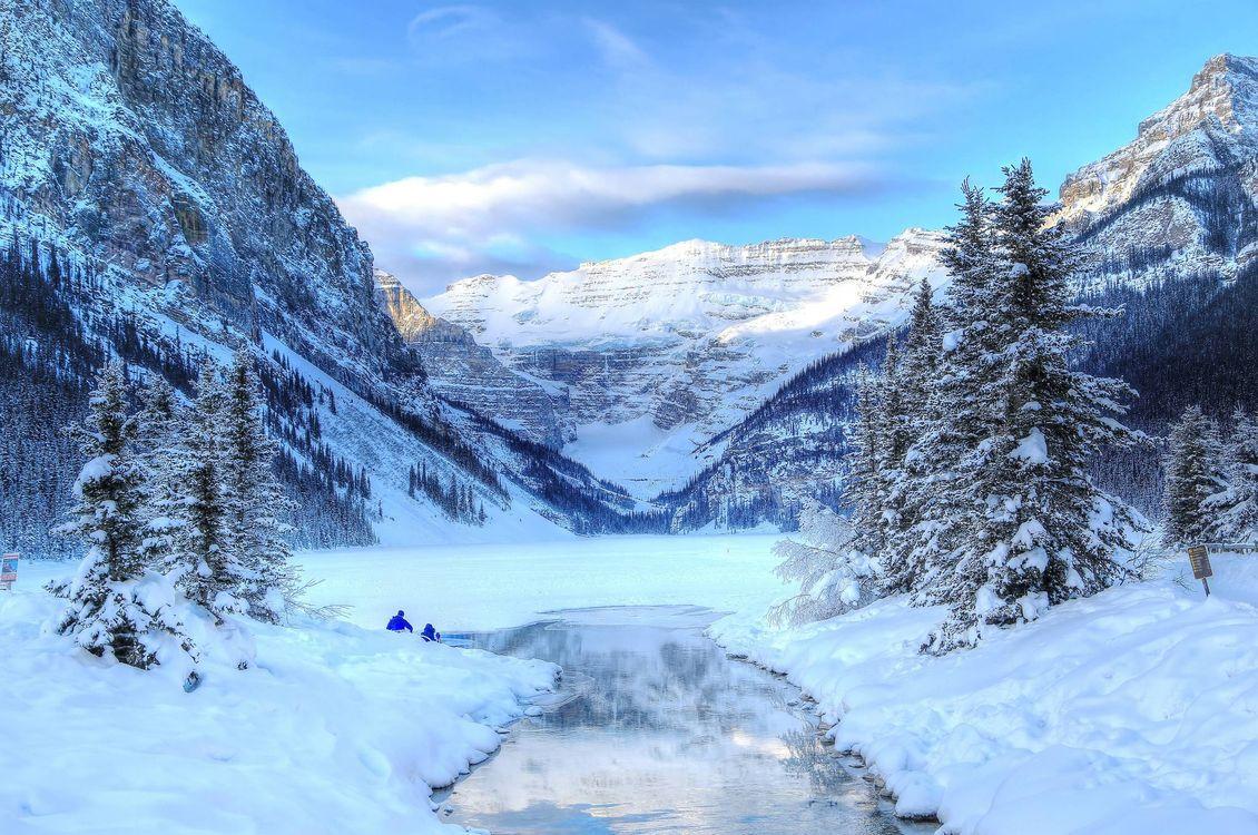 Обои озеро Луиз, Банф, Канада, зима, озеро, горы, деревья, пейзаж на телефон   картинки пейзажи