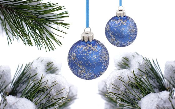 Photo free Christmas blue balls, snow, spruce branches