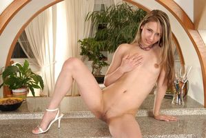 Бесплатные фото Emily, красотка, девушка, модель, голая, голая девушка, обнаженная девушка