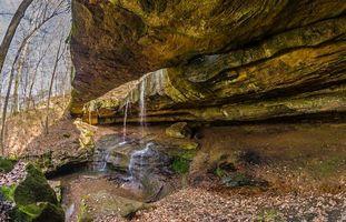 Бесплатные фото Natural Rock Bridge in Hocking Hills State Park, Ohio, осень, скалы, водопад, деревья, природа