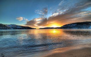 Бесплатные фото берег,озеро,горы,небо,облака,солнце,закат