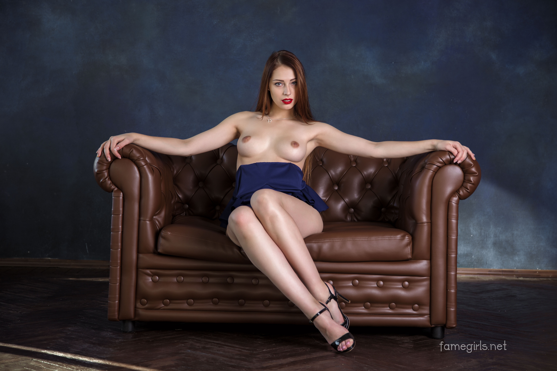 fame-nude-girl