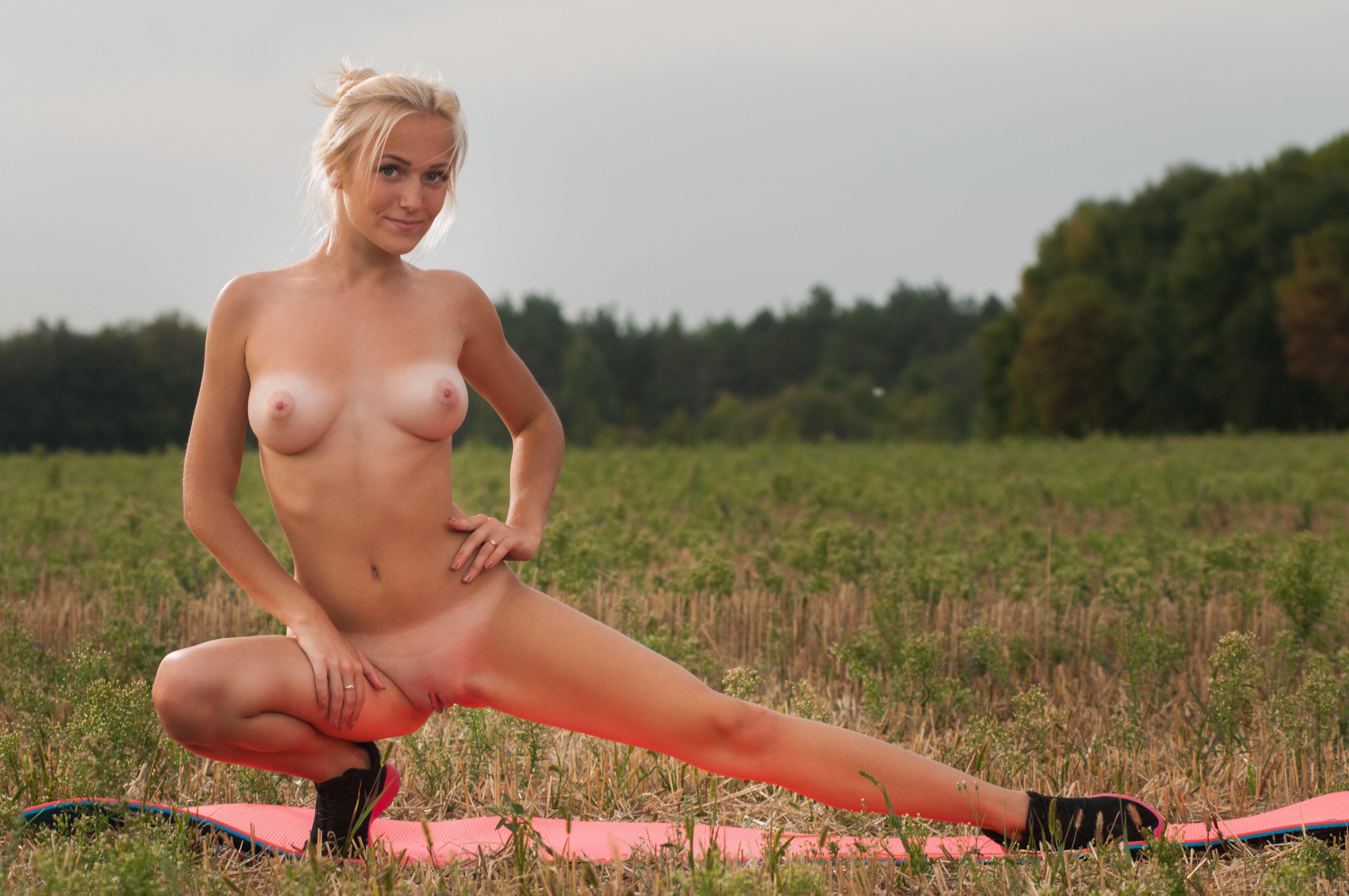 обои Aislin, красотка, голая, голая девушка картинки фото