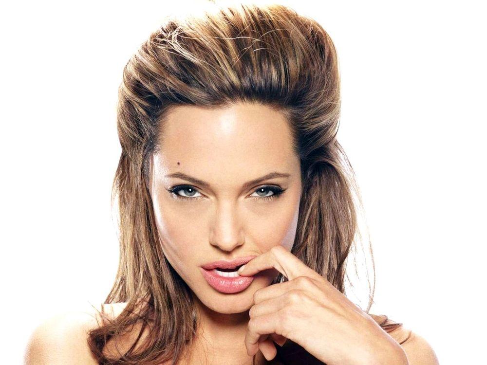 Фото бесплатно Портрет Анджелины Джоли, девушки