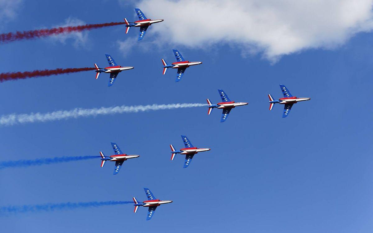 Фото бесплатно авиация, парад, небо - на рабочий стол