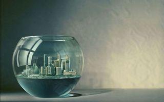 Заставки город в стеклянной чаше, стол
