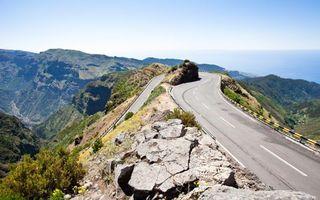 Заставки горная дорога, извилистая, асфальт, полосы, ограждение