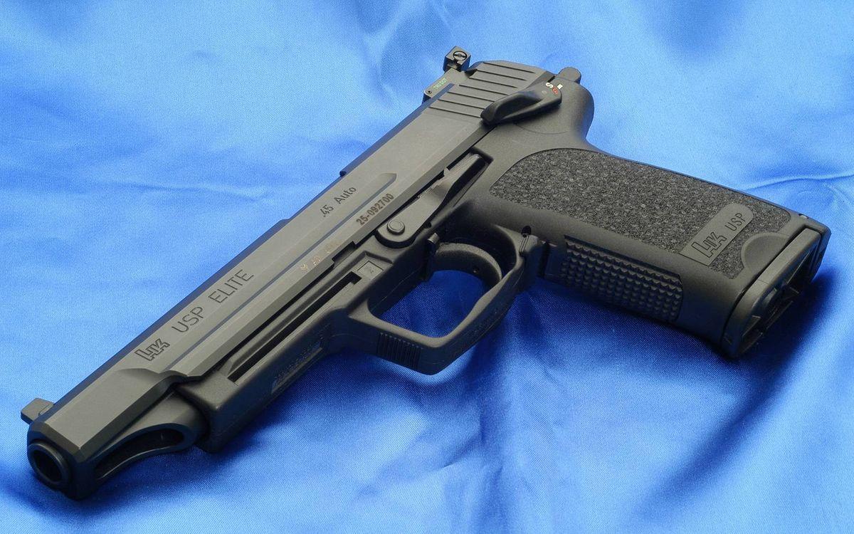 Фото бесплатно пистолет, черный, ствол, затвор, курок, рукоять, оружие