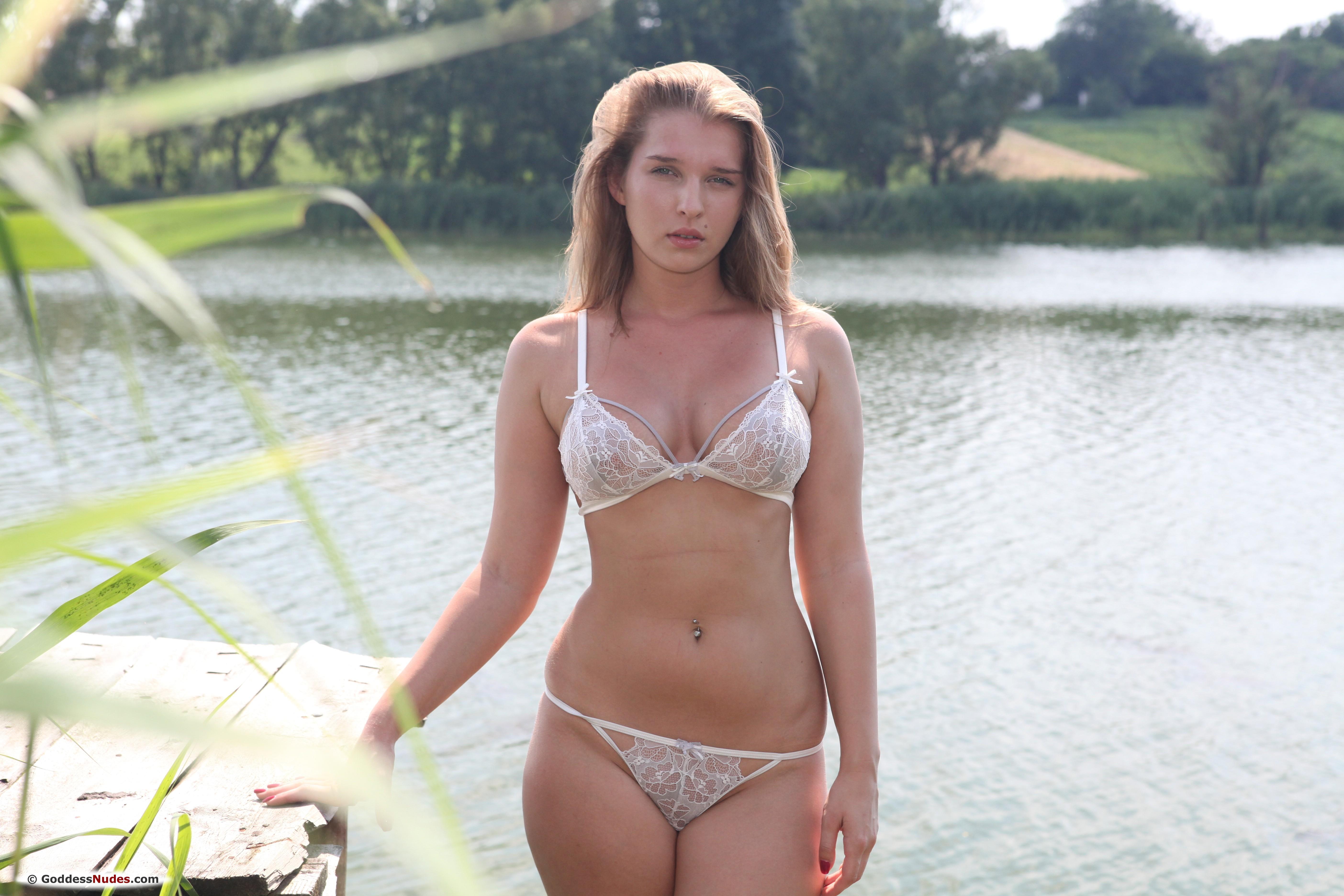 Stasia, красотка, голая