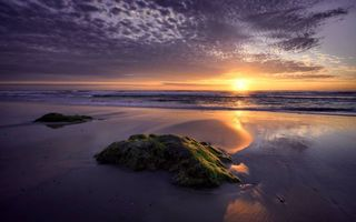 Бесплатные фото вечерний закат,море,берег,валун,песок,пляж