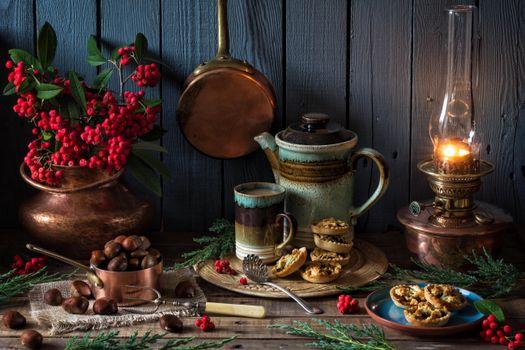 Photo free a kettle, a lamp, a rowanberry