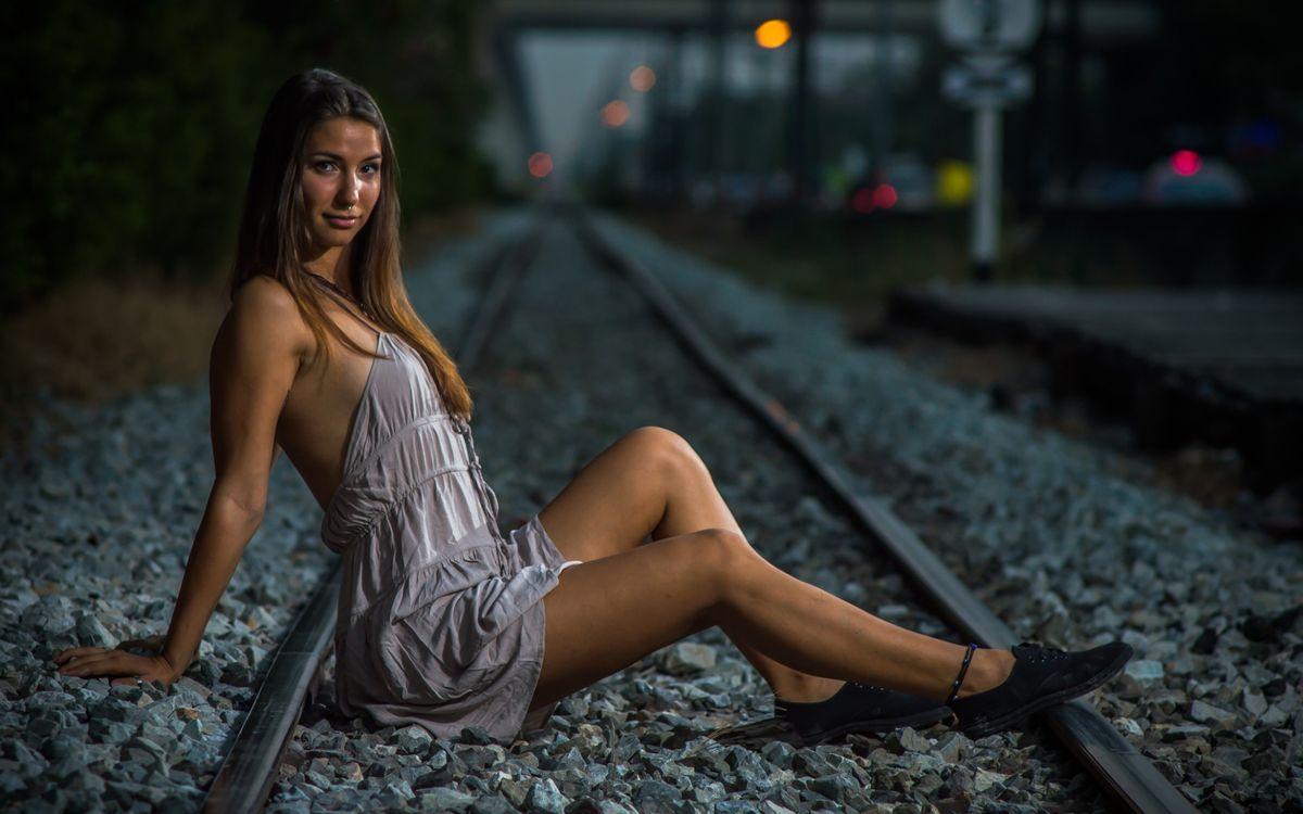 Photos for free girl, railroad, photosession - to the desktop