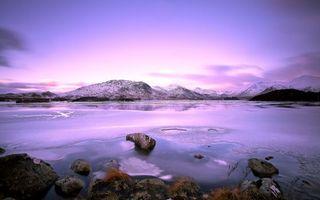 Бесплатные фото озеро,камни,лед,горы,снег,небо