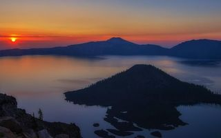 Заставки горы,остров,озеро,солнце,закат