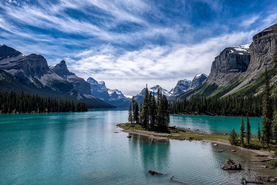 Free photo Maligne Lake, lake, trees - to desktop