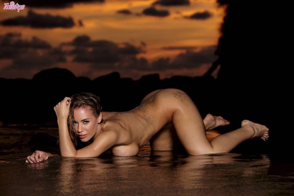 Красивые эротические фото голых девушек высокого качества
