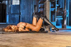 Бесплатные фото adriana corset,девушка,модель,красотка,голая,голая девушка,обнаженная девушка