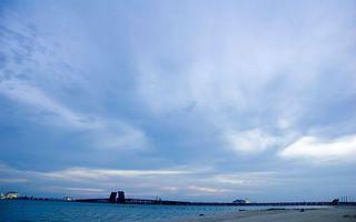 Бесплатные фото берег,река,мост,разведенный,небо,облака