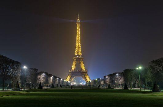 Заставка эйфелева башня, париж на монитор