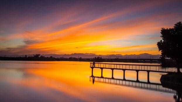 Бесплатные фото мостик,озеро,закат,отражение