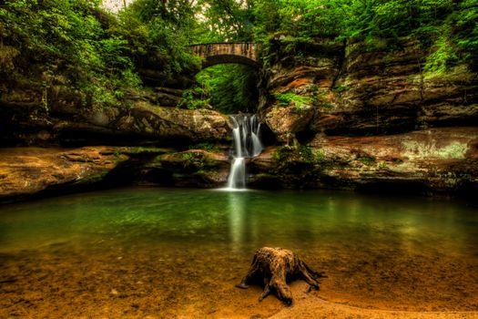 Бесплатные фото Upper Falls,Old Mans Cave,Hocking Hills State Park,ohio waterfalls,водопад,водоём,скалы,деревья,природа