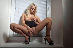 Обои Claudia A, красотка, голая, голая девушка, обнаженная девушка, позы, поза, сексуальная девушка, эротика