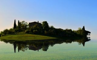Бесплатные фото озеро,гладь,отражение,остров,деревья,строение