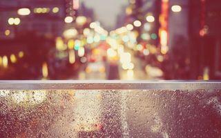 Бесплатные фото стекло,капли дождя,дорога,город,машины,огни