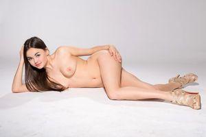 Бесплатные фото li moon,девушка,модель,красотка,голая,голая девушка,обнаженная девушка