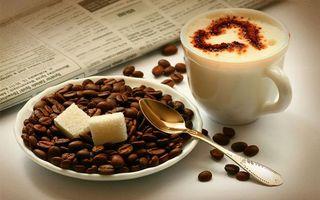 Бесплатные фото блюдце,чашка,кофе,пена,сердце,зерна,ложечка