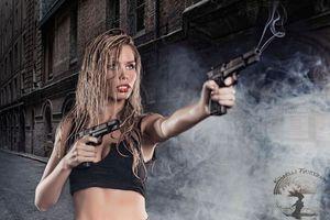 Фото бесплатно модели, оружие, Девушка