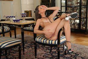 Бесплатные фото Little Caprice, девушка, модель, красотка, голая, голая девушка, обнаженная девушка
