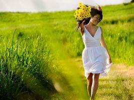 Бесплатные фото лето, поле, венок, девушка, букет, цветы
