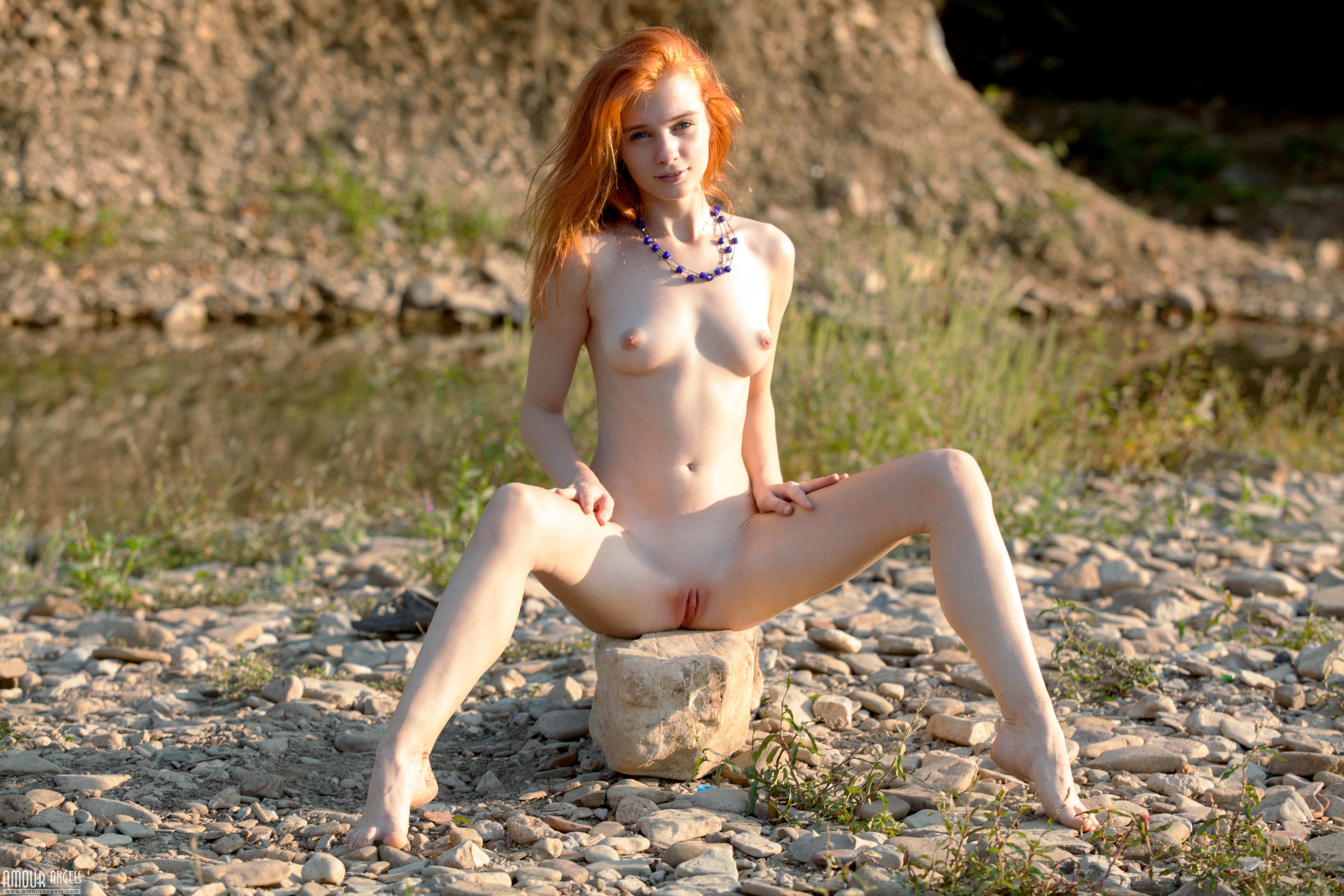 Lilu, красотка, голая