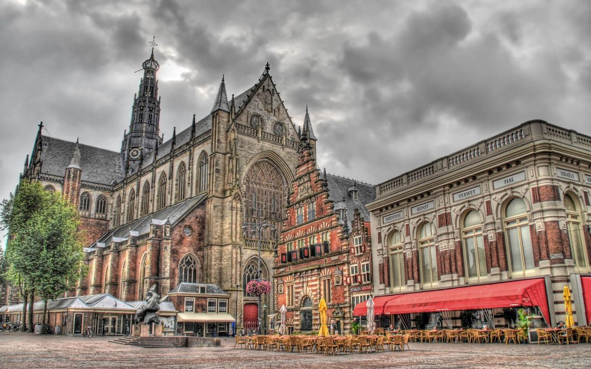Фото бесплатно храм, архитектура, стиль, здание, кафе, столы, стулья, улица, город