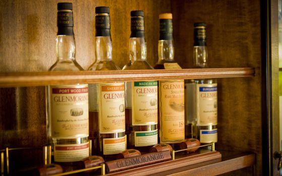 Фото бесплатно шкаф, стеллаж, бутылки