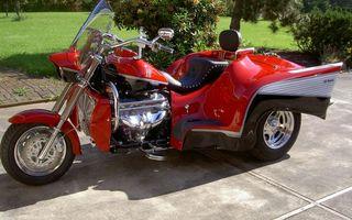 Бесплатные фото трицикл,красный,ветровик,фара,двигатель,диски,хром