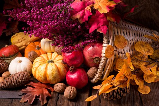 Photo free autumn leaves, cones, autumn composition of vegetables and fruits
