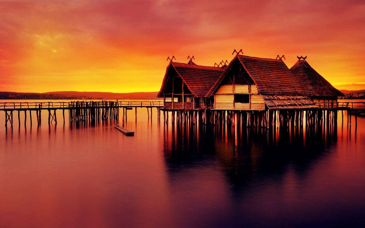 Фото бесплатно озеро, сваи, мостик, бунгало, небо, закат, пейзажи