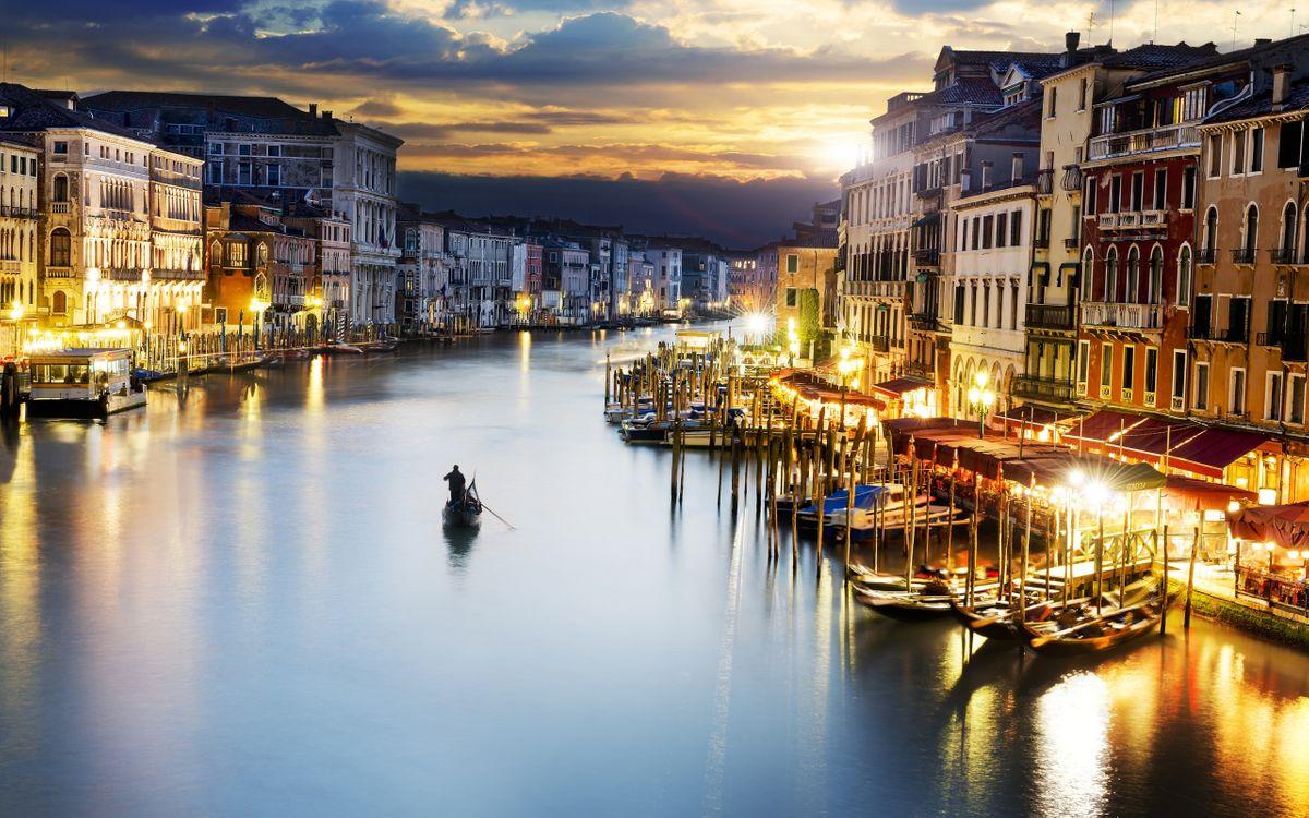 Обои лодочник, Венеция, дома, река на телефон | картинки город