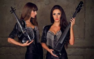 Photo free musicians, duo, violinist