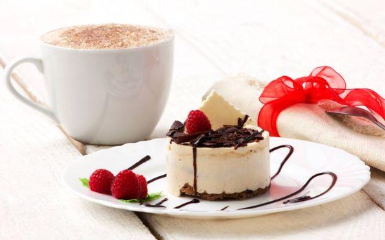 Фото бесплатно чашка кофе, блюдце, пирожок
