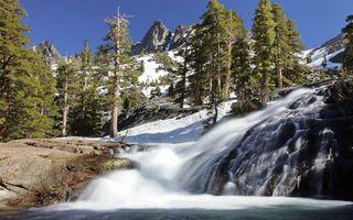 Бесплатные фото горы,камни,деревья,снег,река,течение,водопад
