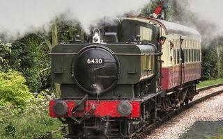 Бесплатные фото паровоз,дым,машинист,вагон,вожатый,железная дорога,растительность