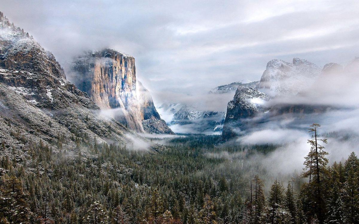 Фото бесплатно горы, скалы, деревья, снег, облака, природа