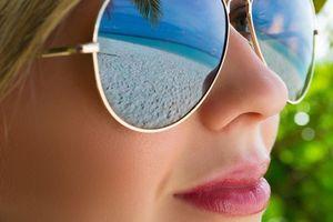 Бесплатные фото очки, девушка, лицо, отражение, пляж, море