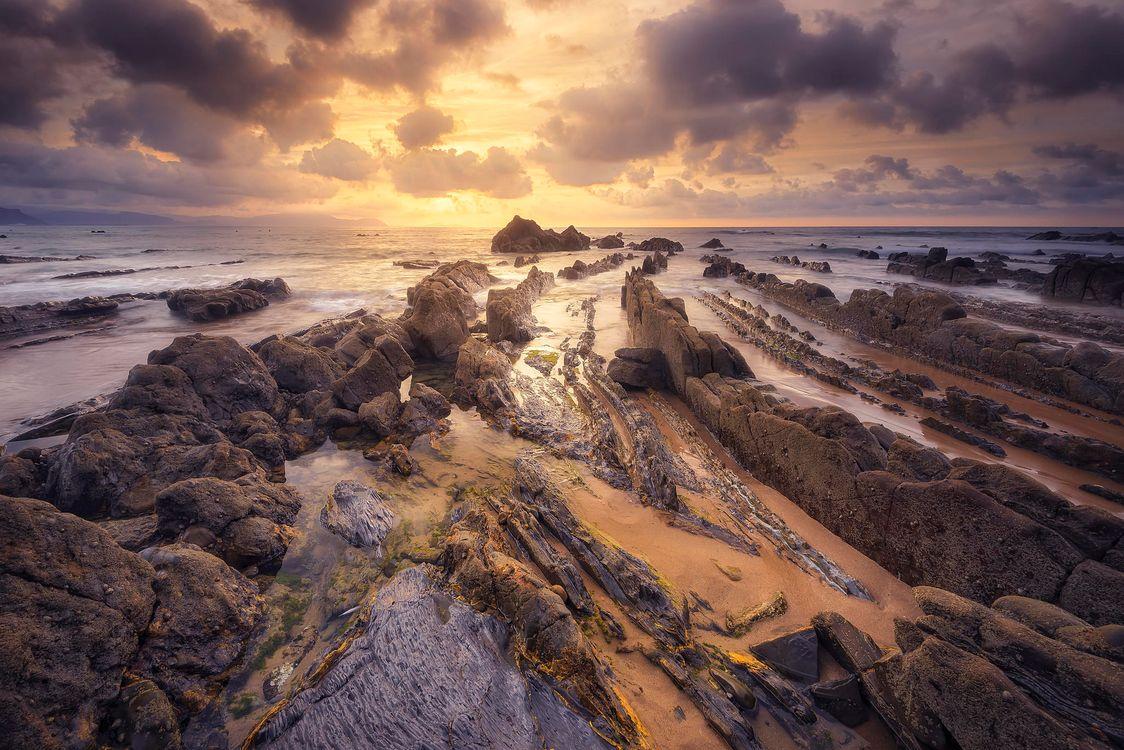 Картинка Баррика, Бискайя, Страна Басков, Испания, закат, море, скалы, берег, пейзаж на рабочий стол. Скачать фото обои пейзажи