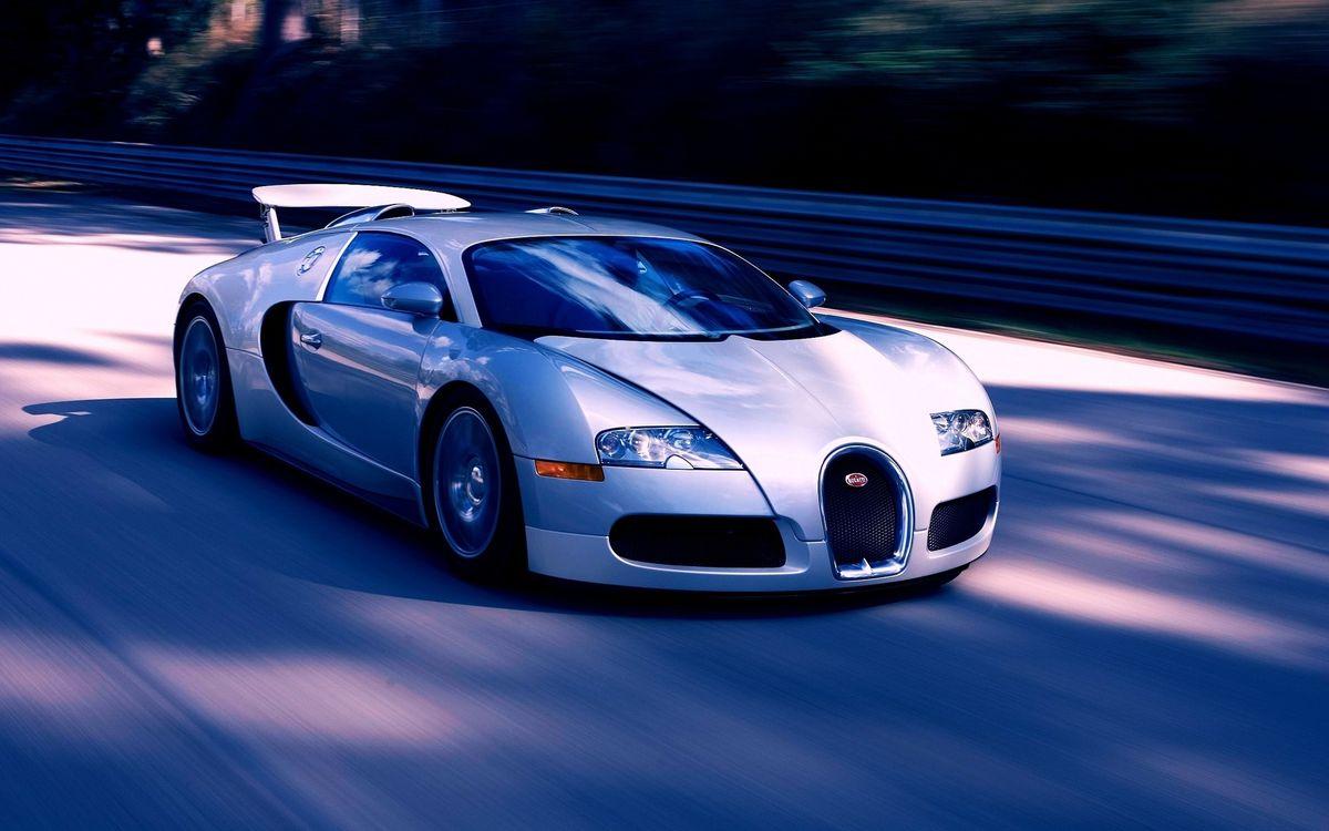 Фото бесплатно бугатти вейрон, спорткар, спойлер, воздухозаборники, дорога, скорость, машины